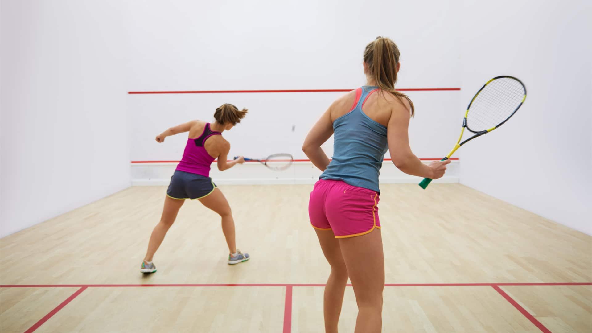 Rosters Sports Club Bar & Grill - Vernon BC - Squash & raquetball - 1